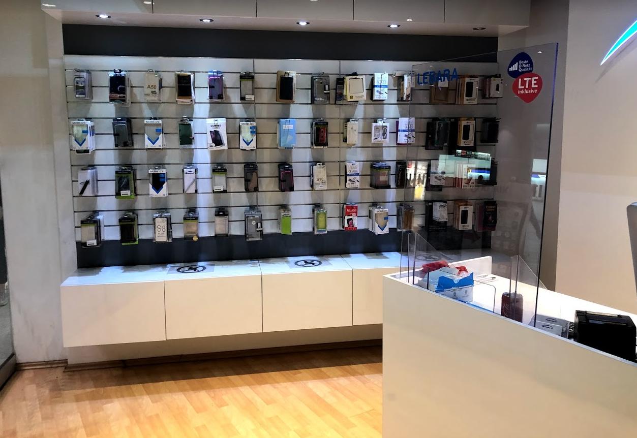 Zubehör für Handys am Hauptbahnhof München